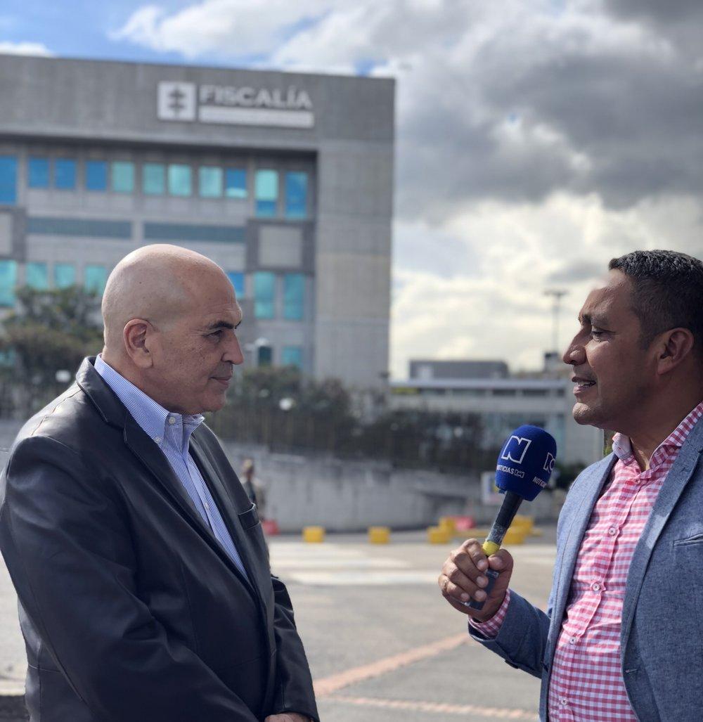 El Dr. Abreu en una entrevista con RCN Noticias en Bogota, Colombia