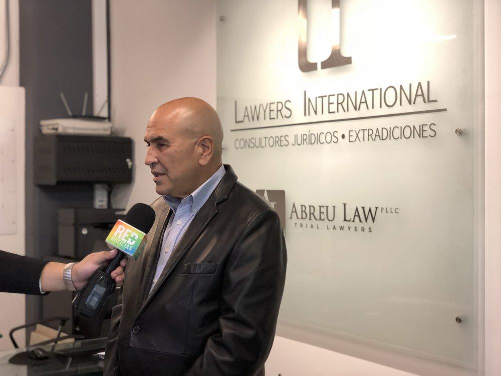 El Dr. Abreu en una entrevista con RED Noticias en Bogota, Colombia