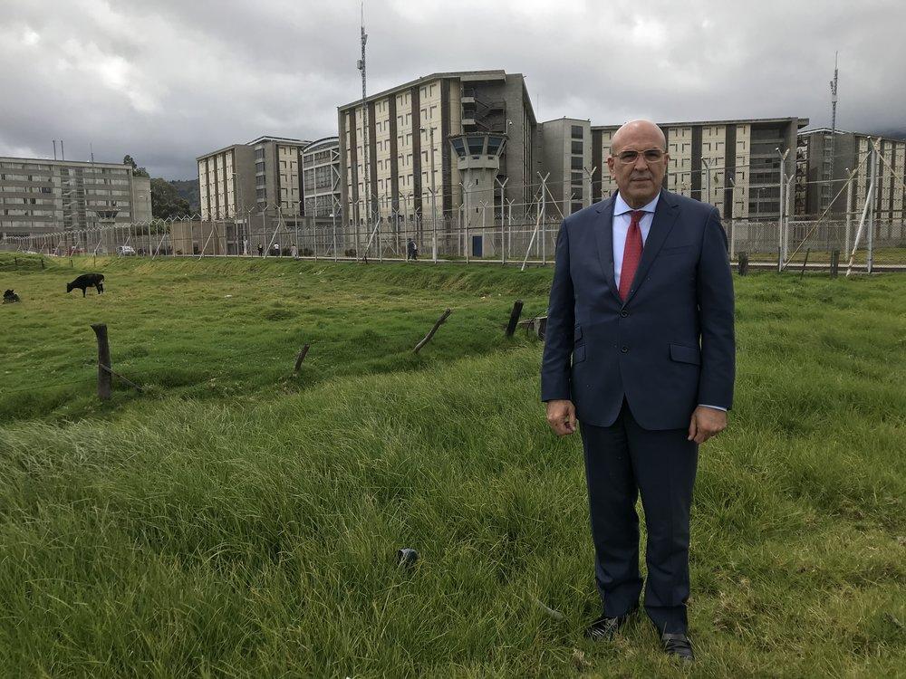 """Dr. Abreu en la carcel de maxima seguridad """"la Picota"""" en Bogota, Colombia"""