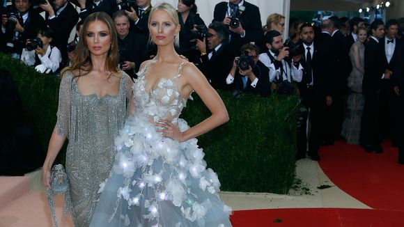 Georgina Chapman and Karolina Kurkova (Photo: Taylor Hill, FilmMagic)