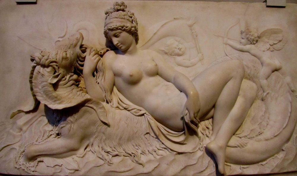 Venus subdues a Capricorn
