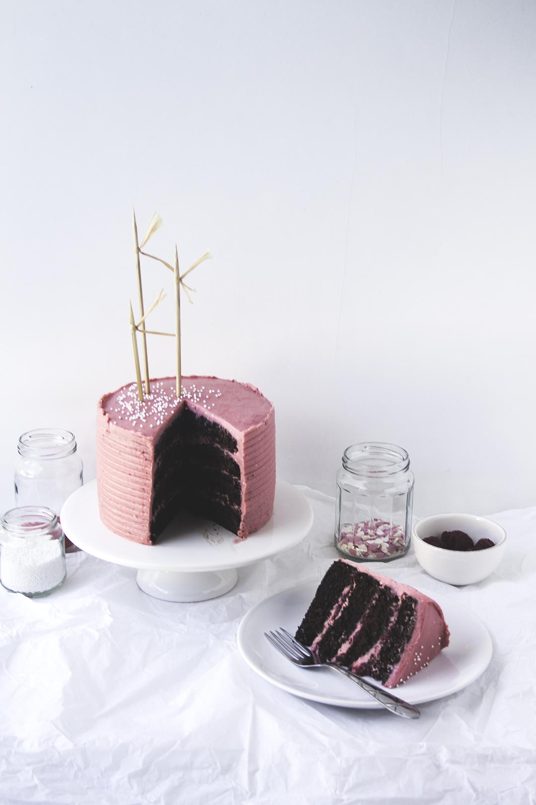 choco cake berries buttercream 4