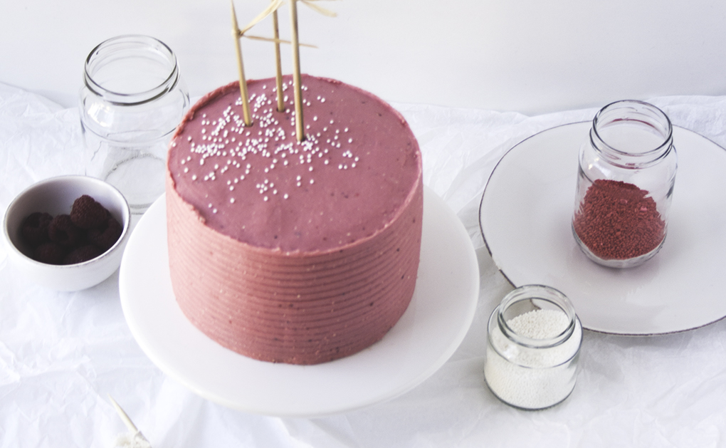 choco cake berries buttercream 6A