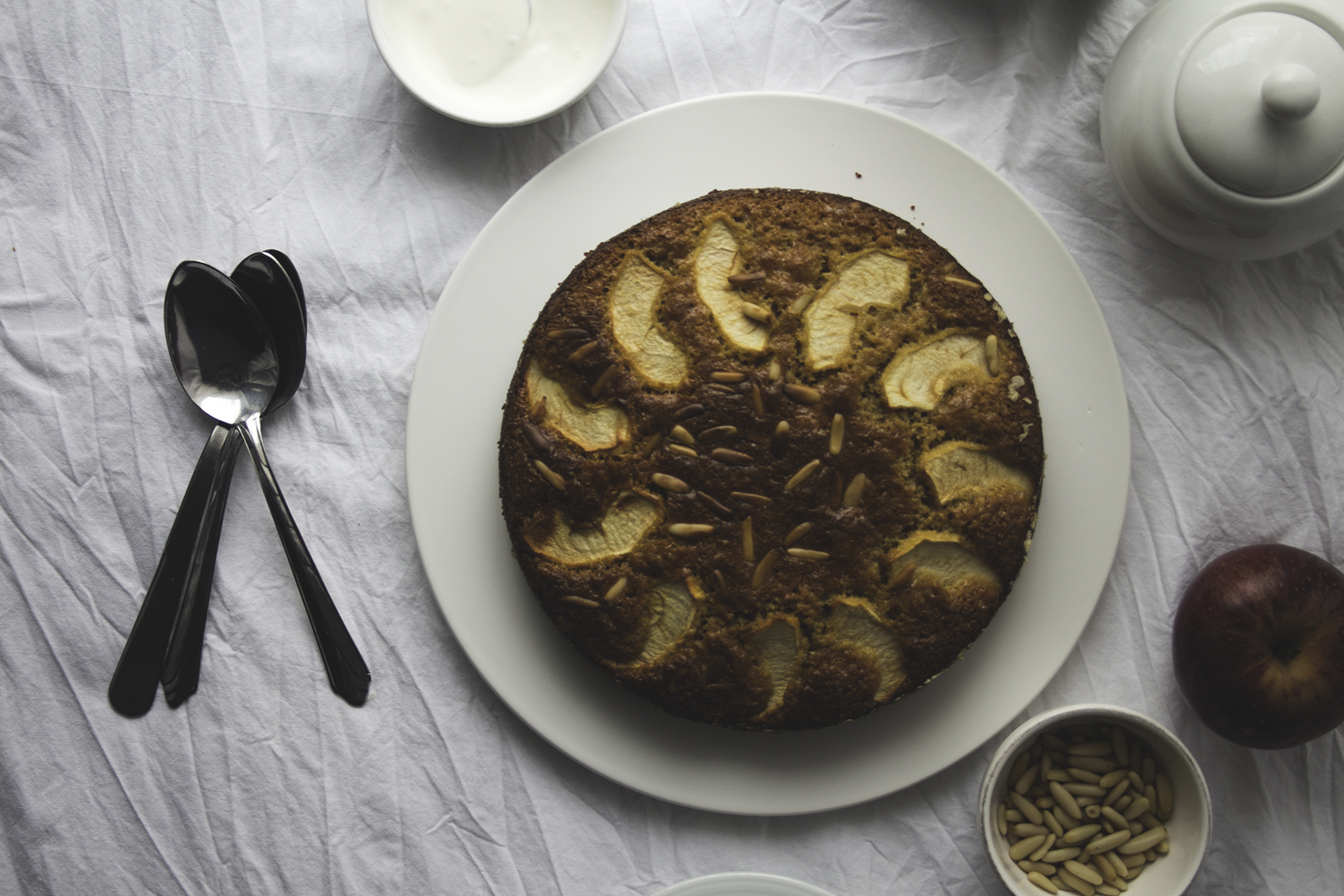 pine nut apple cake5