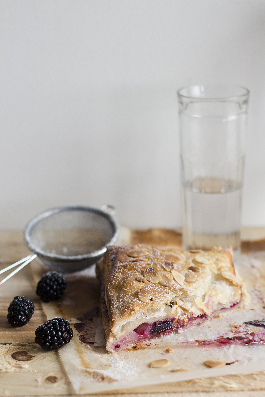 Pear Blackberry Hand Pie_2