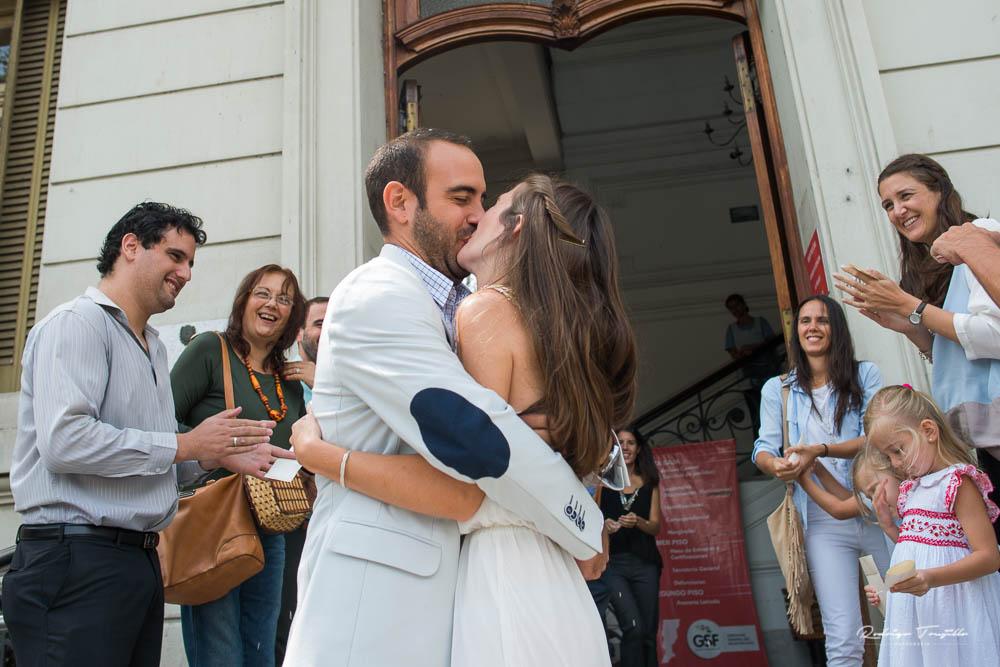 beso de los novios, fotografo de casamientos en santa fe, fotograo de bodas en rosario, rodrigo trujillo fotografo
