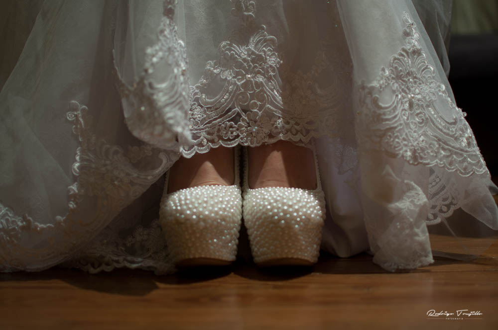 zapatos para novias, vestido de novias, fotografo de novias en rosario, fotografia de casamientos en rosario, rodrigo trujillo fotografo
