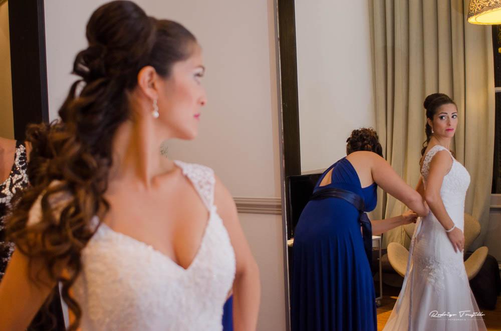 preparativos de la novia, vestido de novias en rosario, fotografo de casamientos en rosario, rodrigo trujillo fotografo