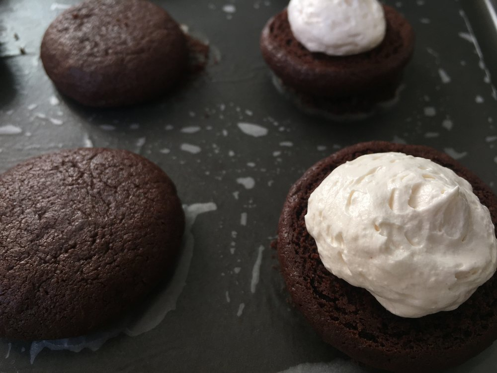 mini-brownie-whoopie-pie-filled