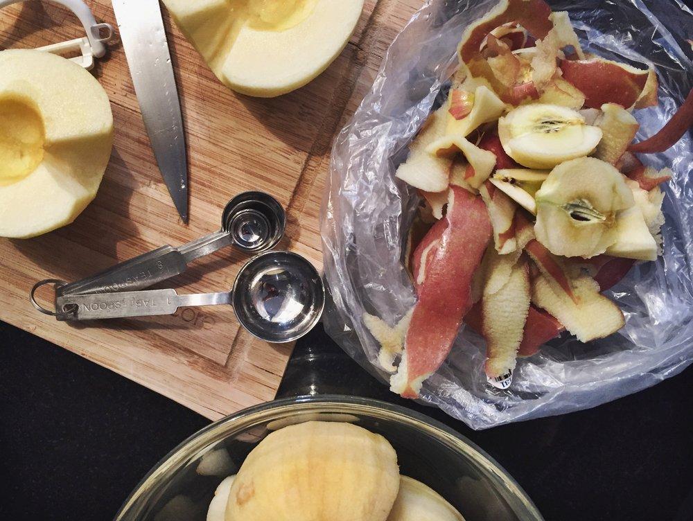 sunken-apple-honey-cake-Versunkener Apfelkuchen-prep