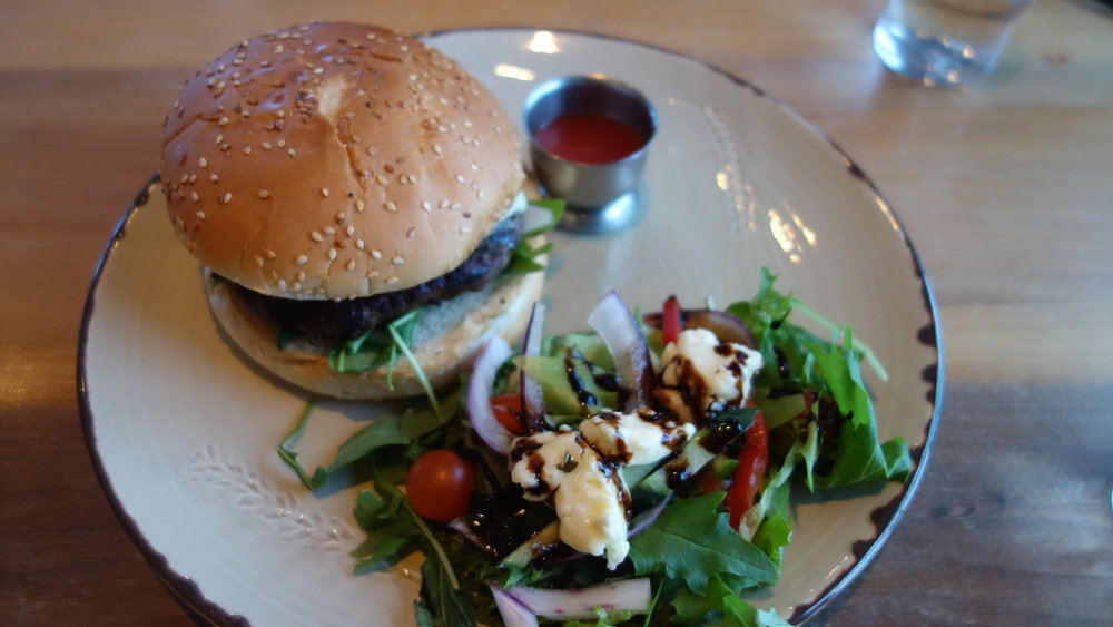 Iceland-food-everything-I-ate-Efstidalur-Golden-Circle-farm-to-table-burger