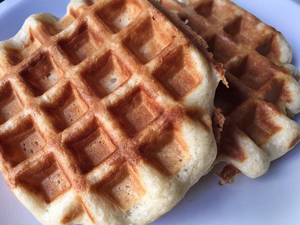 king-arthur-yeasted-waffle-belgian-close