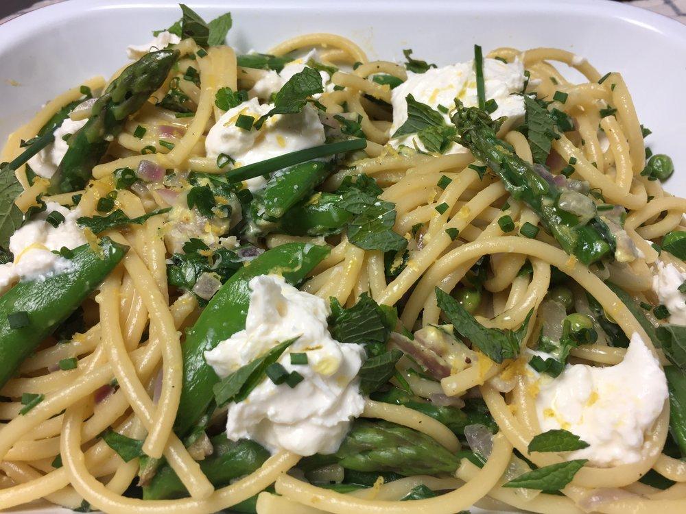 spring-carbonara-vegetables-lemon-burrata