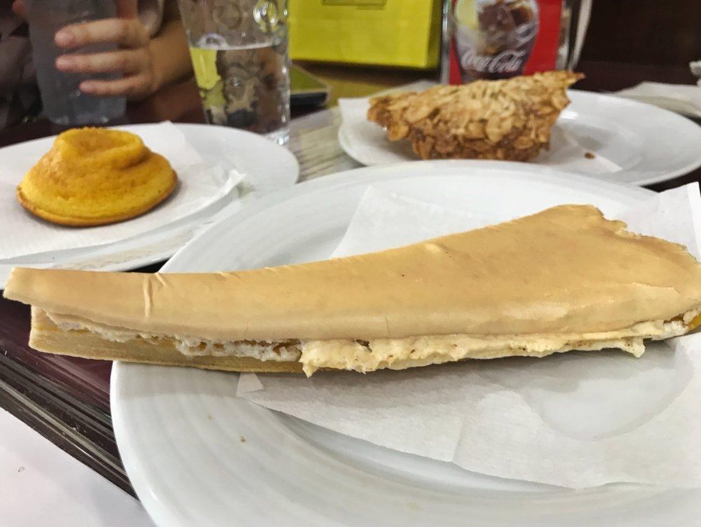 24hourkitchen-travel-guide-to-portuguese-pastries-pastelaria-lisbon-portugal-jesuita