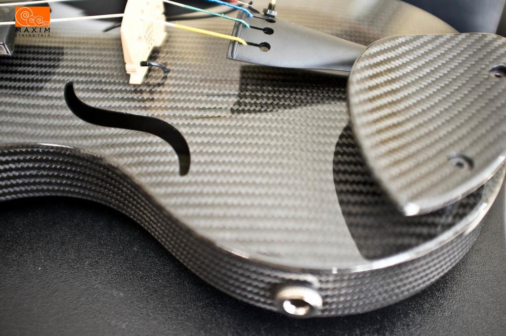 Mezzo-Forte carbon violin closeup