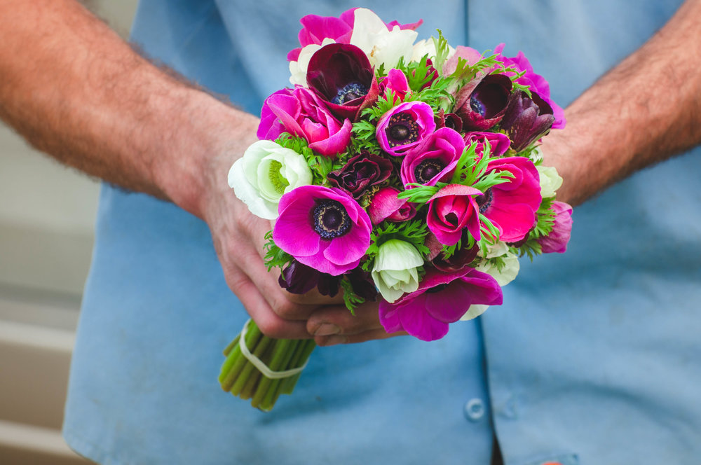 locally grown, with love - We are a local flower farm in Chico, CA that offers gorgeous, seasonal flowers at local farmers markets, CSA subscriptions and unique designs for weddings.