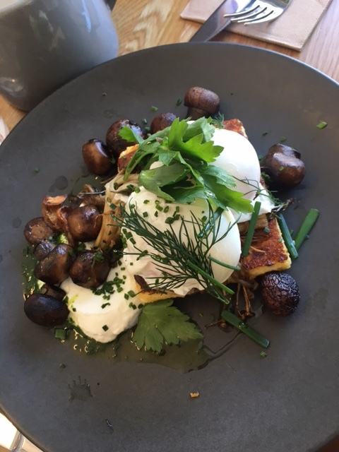 Polenty to Go Around: parmesan & thyme polenta, roast mixed mushrooms, soft goats curd, poached eggs & herbs.  I like to have these with a side of bacon. The mushrooms are juicy and the polenta is crisp, with the goats curd adding a tang of flavour.