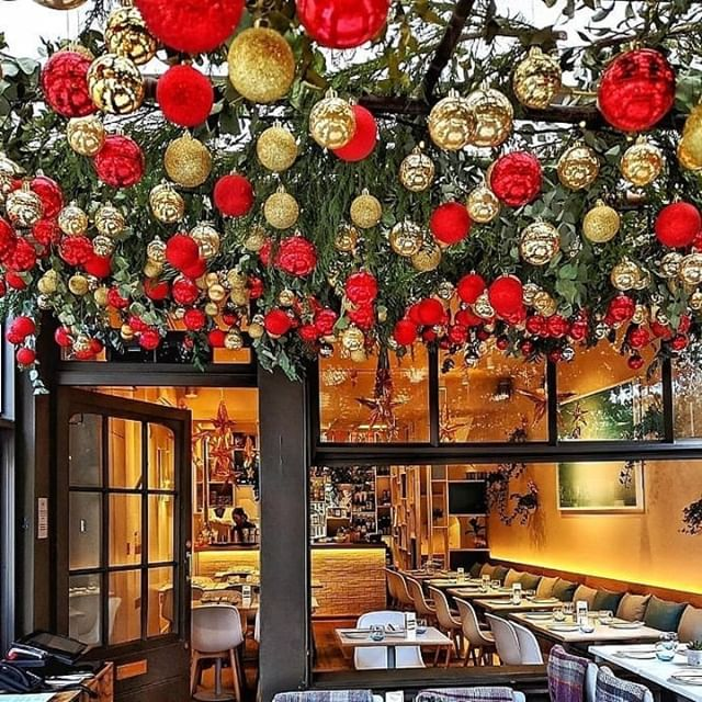 It's CHRISTMAS (Eve)! Whether you're joining us tomorrow (a few tables still available!), Boxing Day or over the New Year period (we're open on New Year's Eve), have a glorious time and make sure you eat everything in sight. Merry Christmas from all of us here at ULI.  One more from our guest @amira58 - thanks again! . . . . #goingoutlondon #lovefood #londonrestaurants #foodlover #fitfoods #healthyeats #foodielife #forkyeah #dailyfoodfeed #feastagram #eeeeeats #ulilondon #gyoza #asianfoodlondon #buzzfeedfood #f52grams #nottinghill #portobelloroad