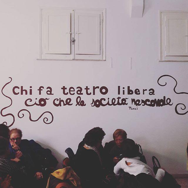 """Adesso dall'Associazione Culturale Aspettando Godot, in attesa che inizi """"Murphy""""  #notabilis  #teatro  #siracusa  #murphy  #aspettandogodot"""