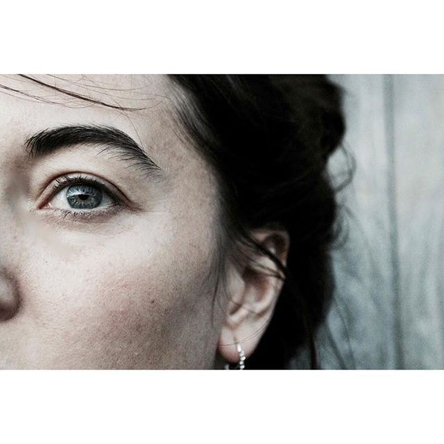 MUGHSHOT 2.0 ~ #melanievandooren with her beloved #honeybooboo earrings