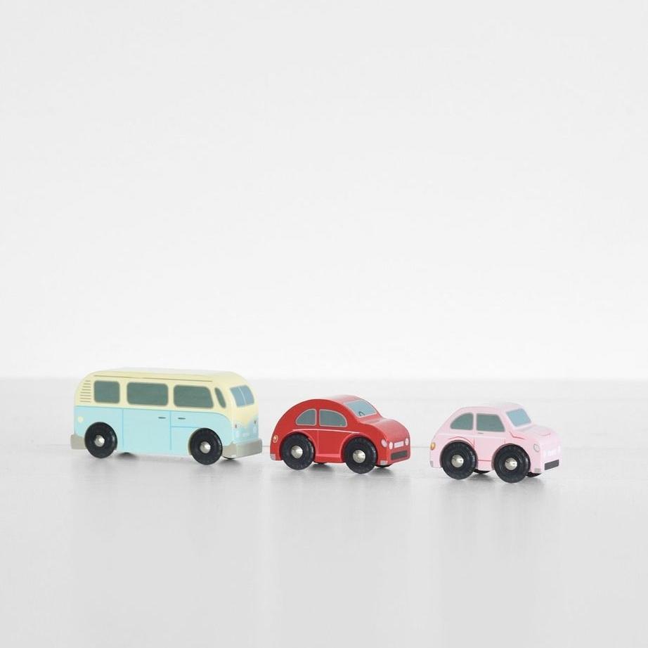 FRWEB_BABY_VOODLE-le-toy-van-retro-metro-car-set_1024x1024.jpg