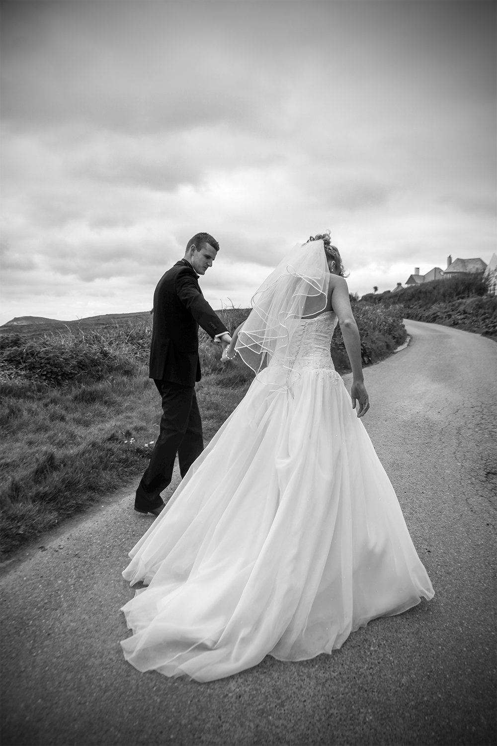 Amy & Jordan Cornish Wedding Photography © Ian Wade Wedding Photography