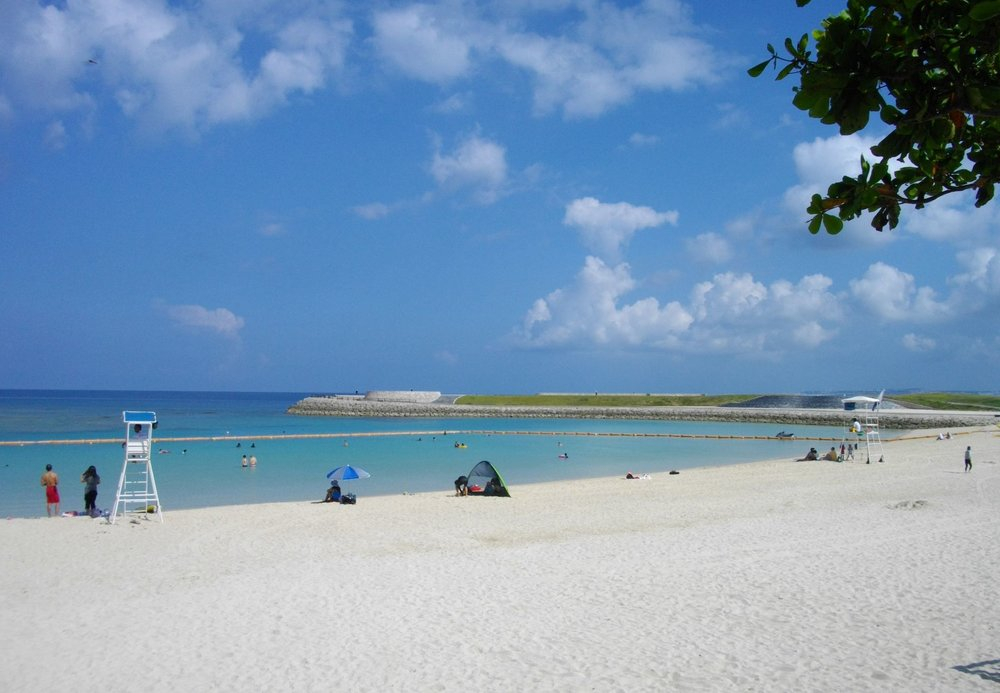 Ginowan_Tropical_Beach_1.jpg