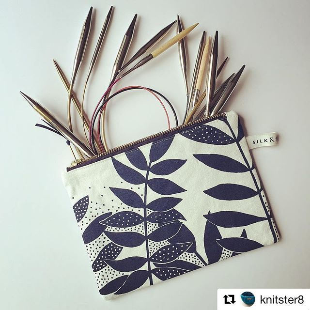 Thanks to all who have come along to #asthallmanor for the @kinghamjewelleryschool & friends exhibition! Last day tomorrow, so pop over and get a lovely zip up pouch like this one 🖤#Repost @knitster8 ・・・ Treated myself to a beautiful @silkandscreen zip up pouch to stash my circular needles  #silkandscreen #knittersofinstagram #knitting #knittingneedles #knitaddict #handmade #shopsmall #shoplocal