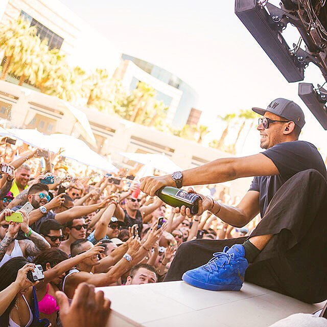 Headliner Afrojack hosts a an amazing parties in Vegas - who's in town for your trip?! _____________________________________________  Check out what's on - tap link in our bio to see what's happening in Vegas... _____________________________________________ #Vegas #EDM #DJ #WetRepublic #Afrojack #poolparty #incentivetravel #PhotoOfTheDay #PoolParty #Happy #Beautiful #Like #Fun #Smile #Friends #Instadaily #corporatetravel #Instalike #Cool #Style #Sun #Instacool #Shoutout #Amazing  #luxuryretreat #LuxuryTravel #LivingTheDream #TrulyVisit #BusinessAsUsual 🎉
