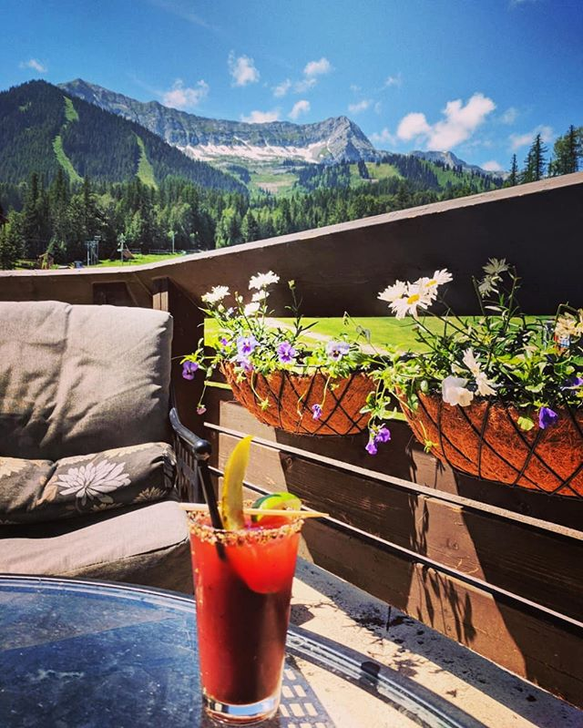 Feeling crusty? Thirsty? Come enjoy this beautiful afternoon on our patio with a Rusty Caesar. Guaranteed to cure whatever ails you!  #caesarsunday #ferniestoke #bikefernie #patioseason #summer