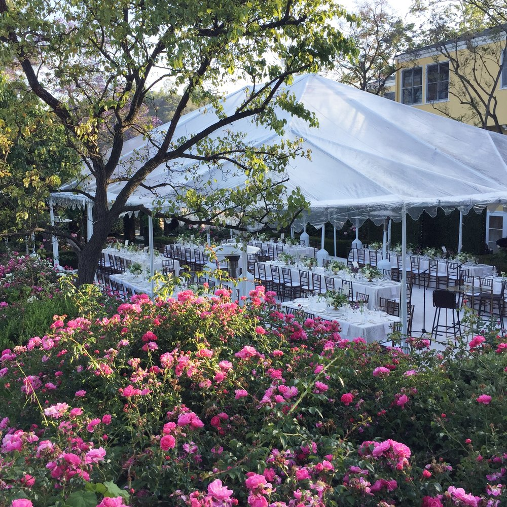 Al Fresco Dinner Party  I  Coordination : Best Events I  Flowers : Chelsea Carter Events
