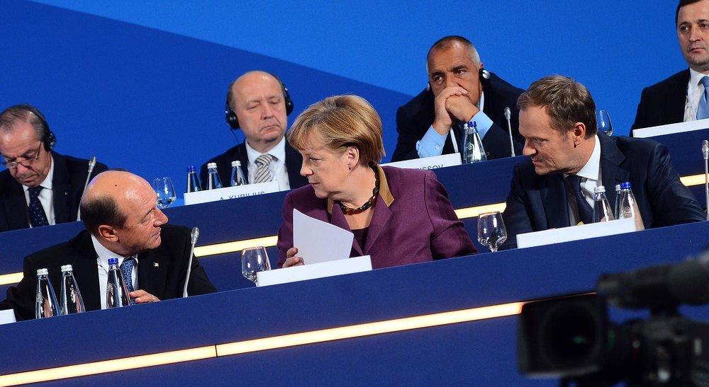 Angela Merkel con David Tusk (destra), presidente della Commissione Europea. Foto: Partito Popolare Europeo Licenza: CC 2.0