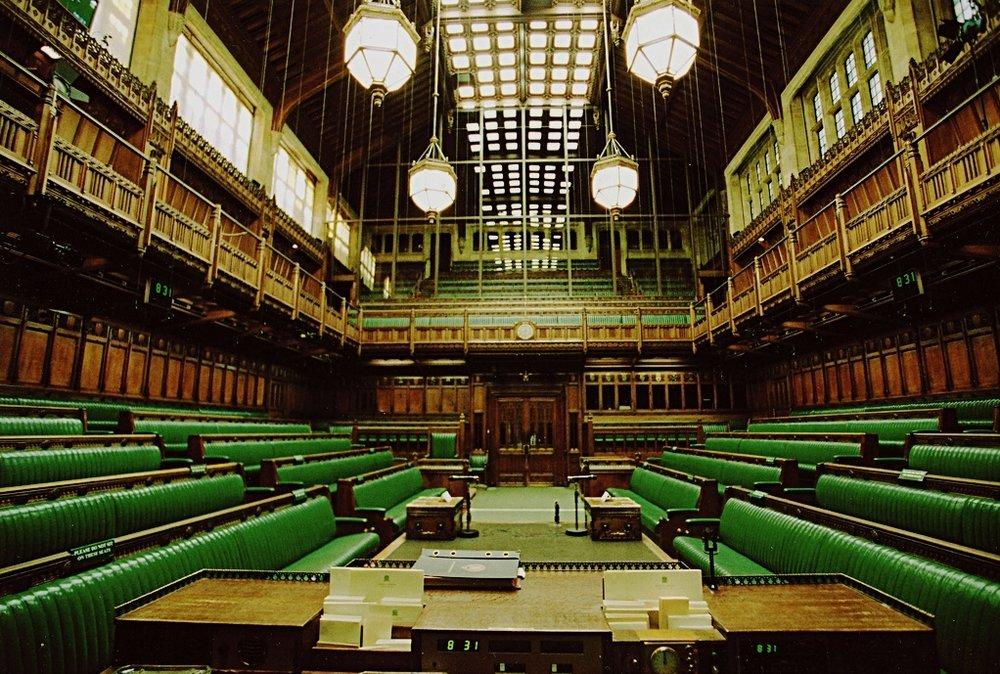 La Camera dei Comuni di Westminster. Foto: UK Parliament Licenza:  CC 2.0