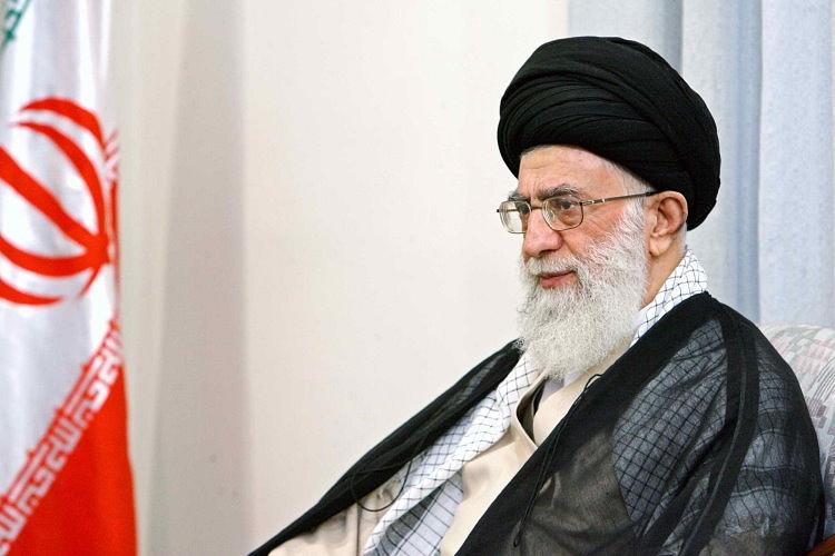 L'Ayatollah iraniano Ali Khamenei, leader supremo della Repubblica Islamica. Sulla carta l'Iran è contrario all'indipendenza, ma potrebbe accettarla in chiave anti-Saudita e anti-Turca. Foto:  Abdullah Manaz Licenza:  CC 2.0
