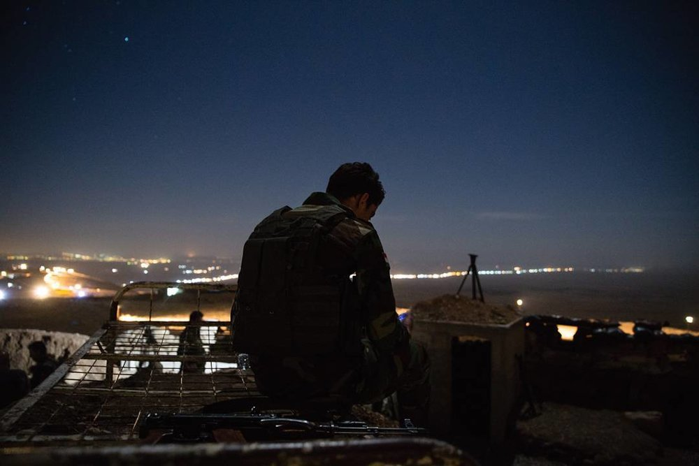 Un Peshmerga curdo si prepara all'offensiva per la riconquista di Mosul. Foto:Quentin Bruno Licenza: CC 2.0