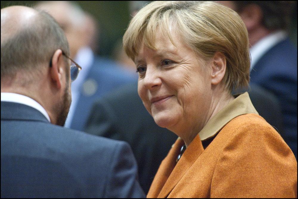 La Cancelliera Angela Merkel, l'unica favorita per la cancelleria tedesca a colloquio con il suo rivale, il socialdemocratico Martin Schulz. Foto: European Parliament Licenza:  CC 2.0