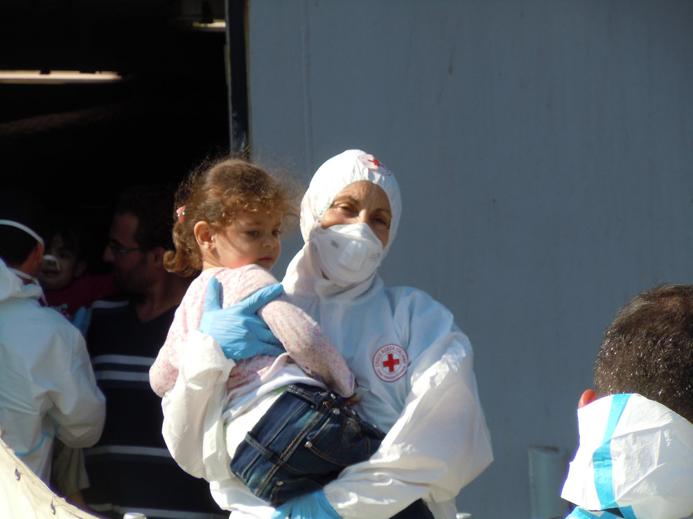 Migranti salvati dalla Croce Rossa Internazionale in Italia. Foto:International Federation of Red Cross and Red Crescent SocietiesLicenza CC 2.0
