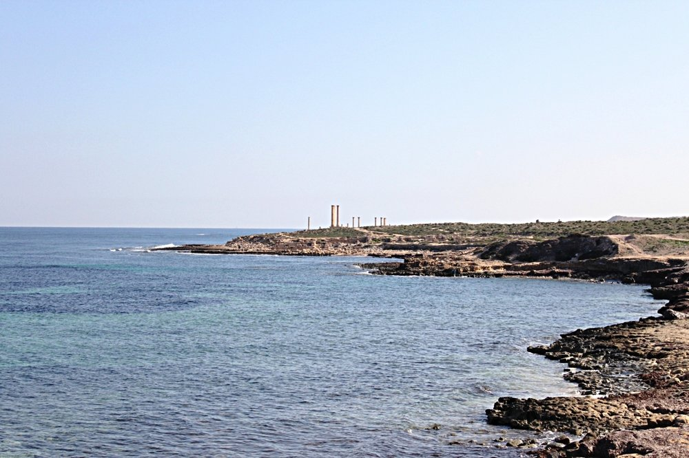 La costa di Sabratha, uno dei principali punti di partenza dei migranti dal Nord-Africa all'Italia. Foto: Das_A Licenza:  CC 2.0
