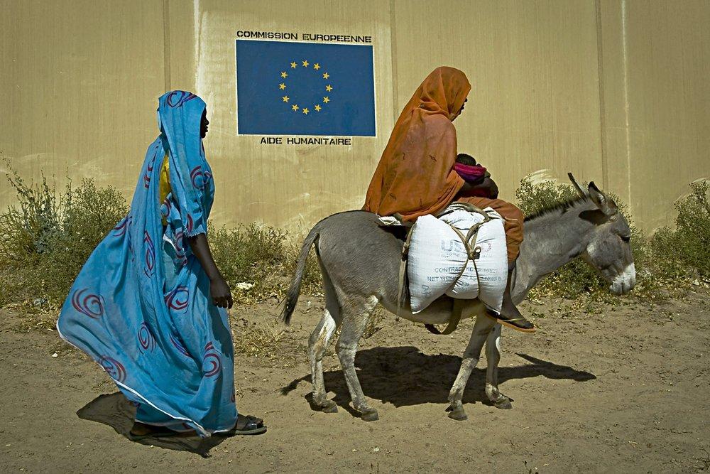 Rifugiati proveniente dal Darfur nel Chad Orientale in un campo di aiuto dell'Unione Europea.Foto: European Commission DG ECHO Licenza:  CC 2.0