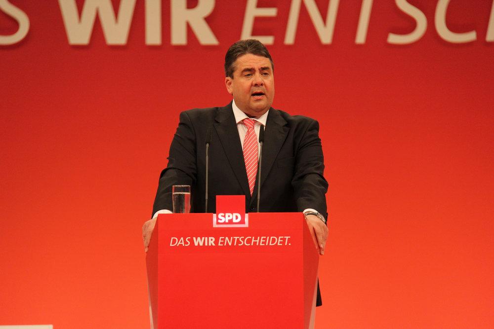 Sigmar Gabriel, Ministro dell'Economia tedesco, vice-Cancelliere e figura di spicco della SPD. Proprio lui sembra, per primo, gettare la spugna nelle ormai prossime elezioni tedesche. Foto: JouWatch Licenza: CC 2.0