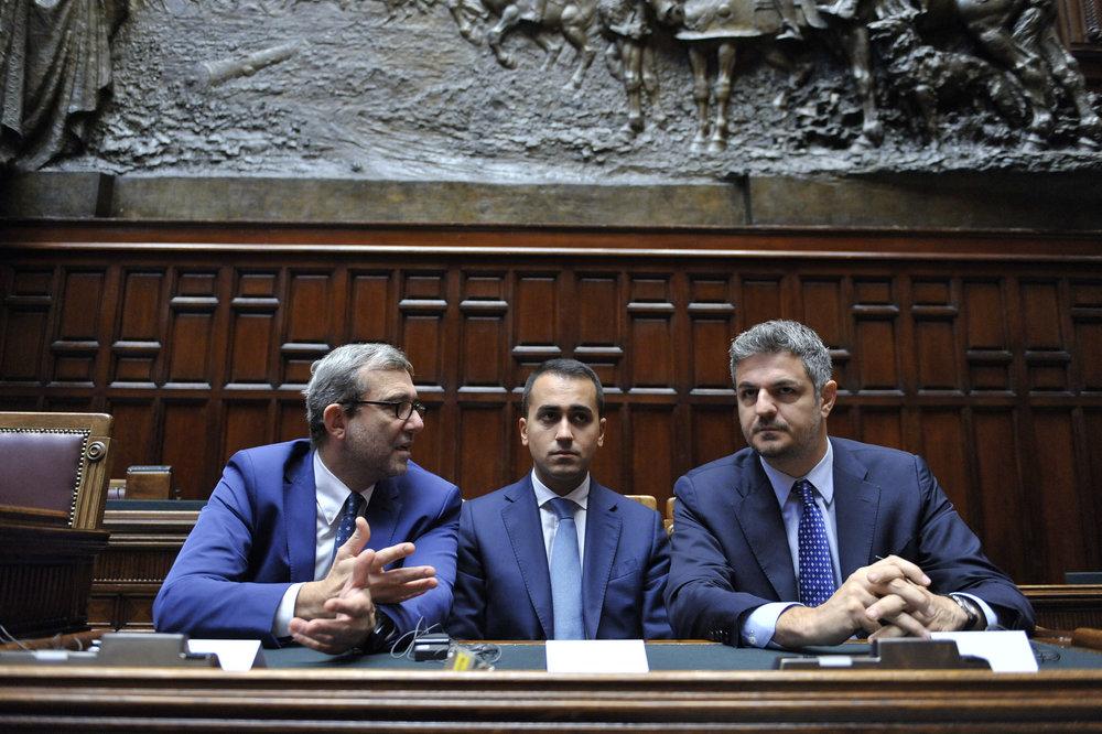 Luigi Di Maio in mezzo agli altri due vice-Presidenti della Camera, l'esponente del PD Giacchetti e quello di Forza Italia, Baldelli. Foto:Camera dei deputatiLicenza: CC 2.0
