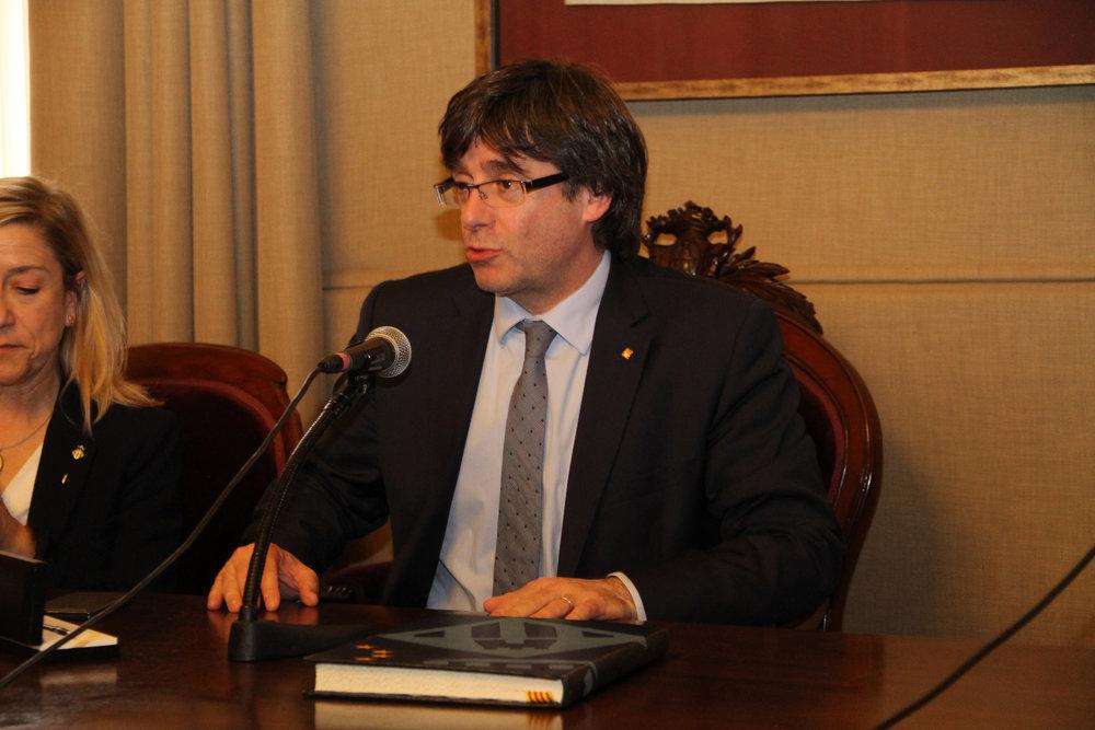 Il Presidente dell'Autonomia catalana Carles Puigdemont, a lui si deve la spinta referendaria che ha portato all'1-O Foto: Ajuntament de Vilanova i l Licenza: CC 2.0