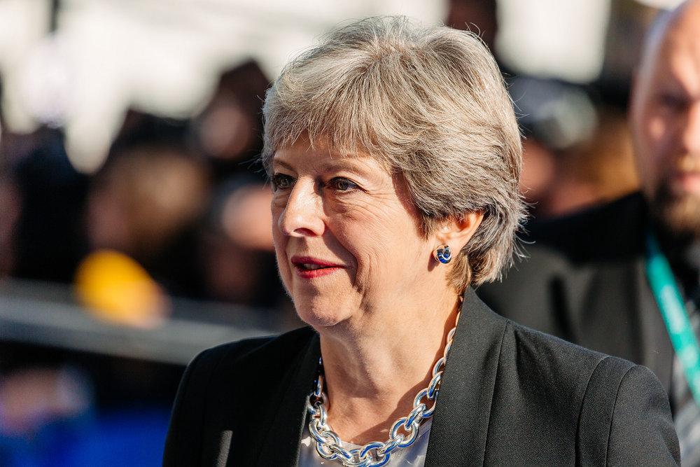 Theresa May, alle prese con il tentativo di salvare le trattative sulla Brexit ed il proprio governo. Foto:EU2017EE Estonian PresidencyLicenza: CC 2.0