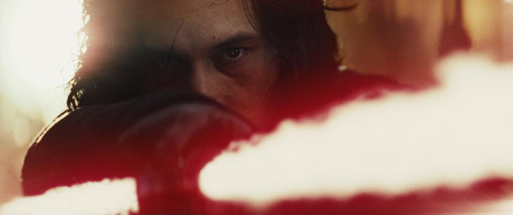 Kylo Ren, centrale in Episodio VIII è definitivamente diventato il miglior personaggio di questa nuova trilogia. Foto: Star Wars/Lucasfilm/Disney