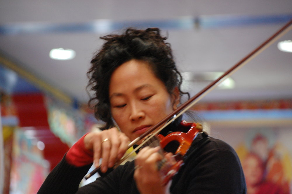 Julia playing the fiddle