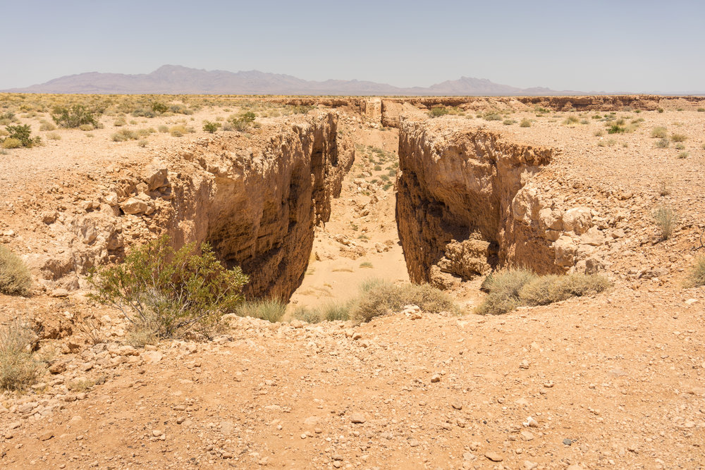Double Negative   (1970) Michael Heizer. Mormon Mesa, Overton, Nevada. Photo: Tiago Silva Nunes