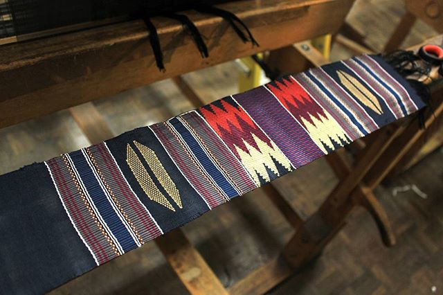 A blast from the past! My laptop sounds as though it is on its way out so I've started sorting through my files. Found this picture of the first piece woven for my final project at uni. This was a traditional ashanti kente design but using colours from the Ewe tribe.  #textile #weaving #woven #colour #geometric #kente #weaver #weaversofinstagram #design #yarn #cotton #craft #handmade #habdwoven #artisan #sustainabledesign #culture