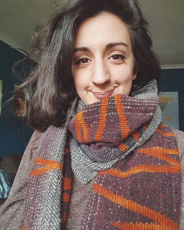 I dont ever post selfies! But I wanted to share a picture of the scarf I made for myself...kind of as a 'goodbye weaving' present while my hips get sorted. Gutted to have to stop, but it's too painful at the moment and it's the right thing to do in the long run if I want to weave forever!! Fustrating when i have so many ideas to explore. But I will still keep myswlf busy with other crafty things!  Oh...and happy new year all! Even if it is a bit late :)) #weaving #handwoven #sustainablefashion #choosewool #woven #handmade #craft #handcrafted #artisan #wool #merino #naturaldyes #colour #pattern #slowtextiles #slowfashion #handweaver #weaversofinstagram #ethicallymade #ethical #textiles #textiledesign