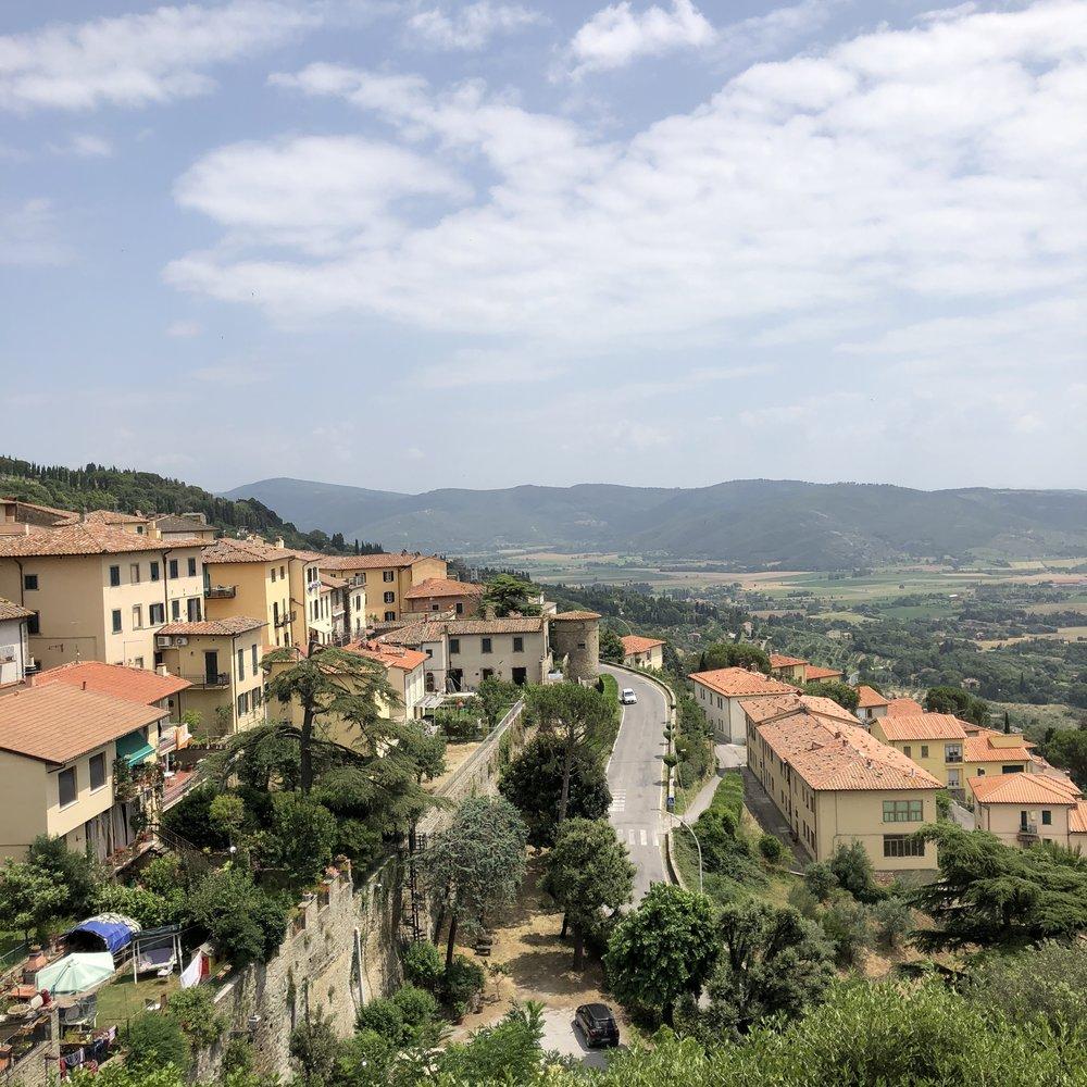 Glimsen-Cortona-houses-view.jpg