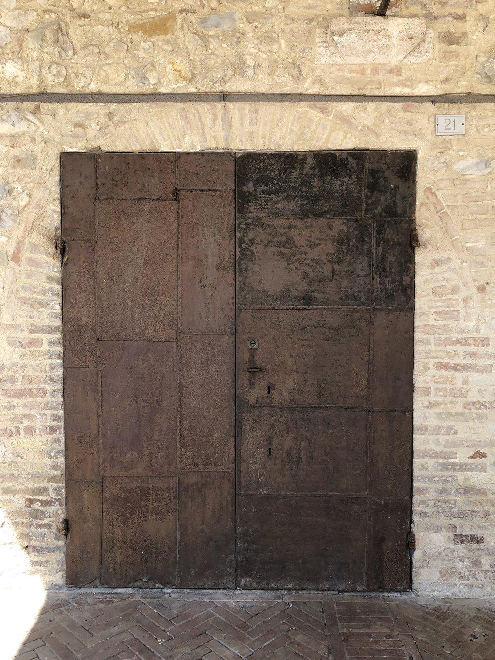 Glimsen-doors-Montefalco.jpg